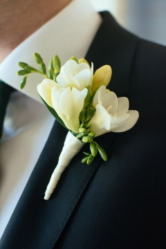 Brilliant boutonniere ideas for your wedding