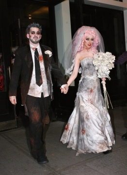 Overrated Couples Halloween Costumes to Which You Should Never Agree Picture
