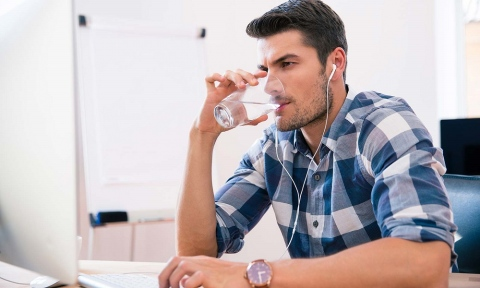 Why Men Need to Drink More Water - Proper Hydration and Its Benefits Picture